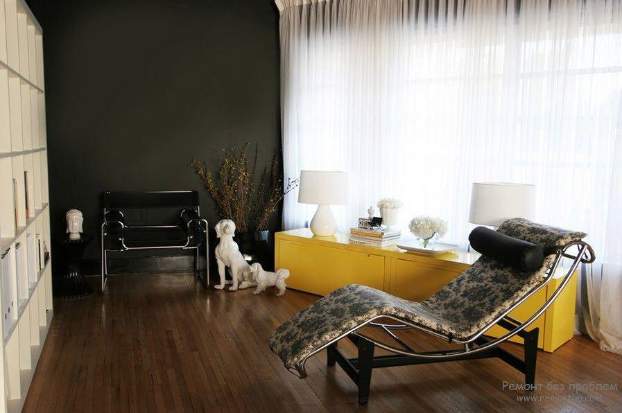 Желтый – уютно себя чувствуют рядом с ним такие цвета как синий, лиловый, голубой, черный и серый.